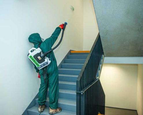 Dezinfekce schodiště